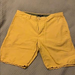 Banana Republic yellow Aiden short